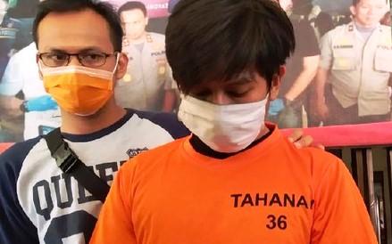 Umbar Video Tamu di Medsos, Karyawan Starbucks di Jakarta Dipakaikan Baju Tahanan